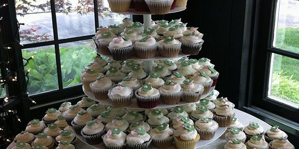 Cupcakes with Green Flowers